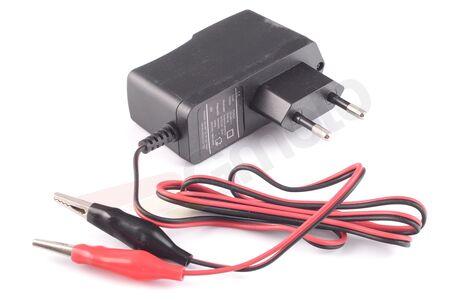 Ładowarka do akumulatorów kwasowo - żelowych 12V